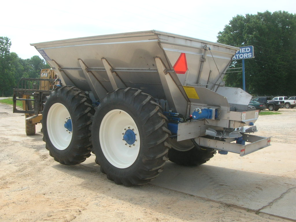 Fertilizer / Lime Spreader