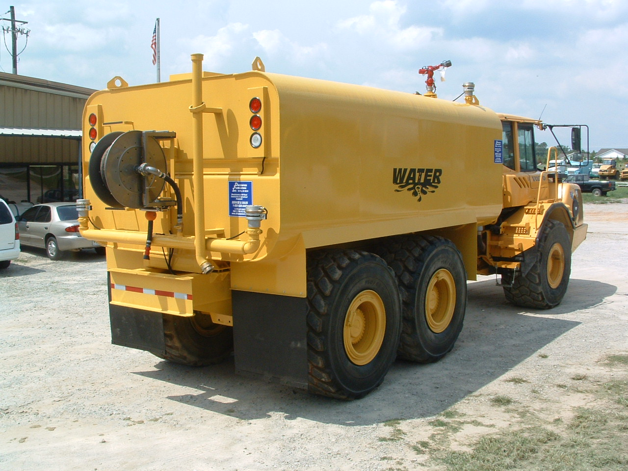 Volvo A30D with 6000 gallon water tank