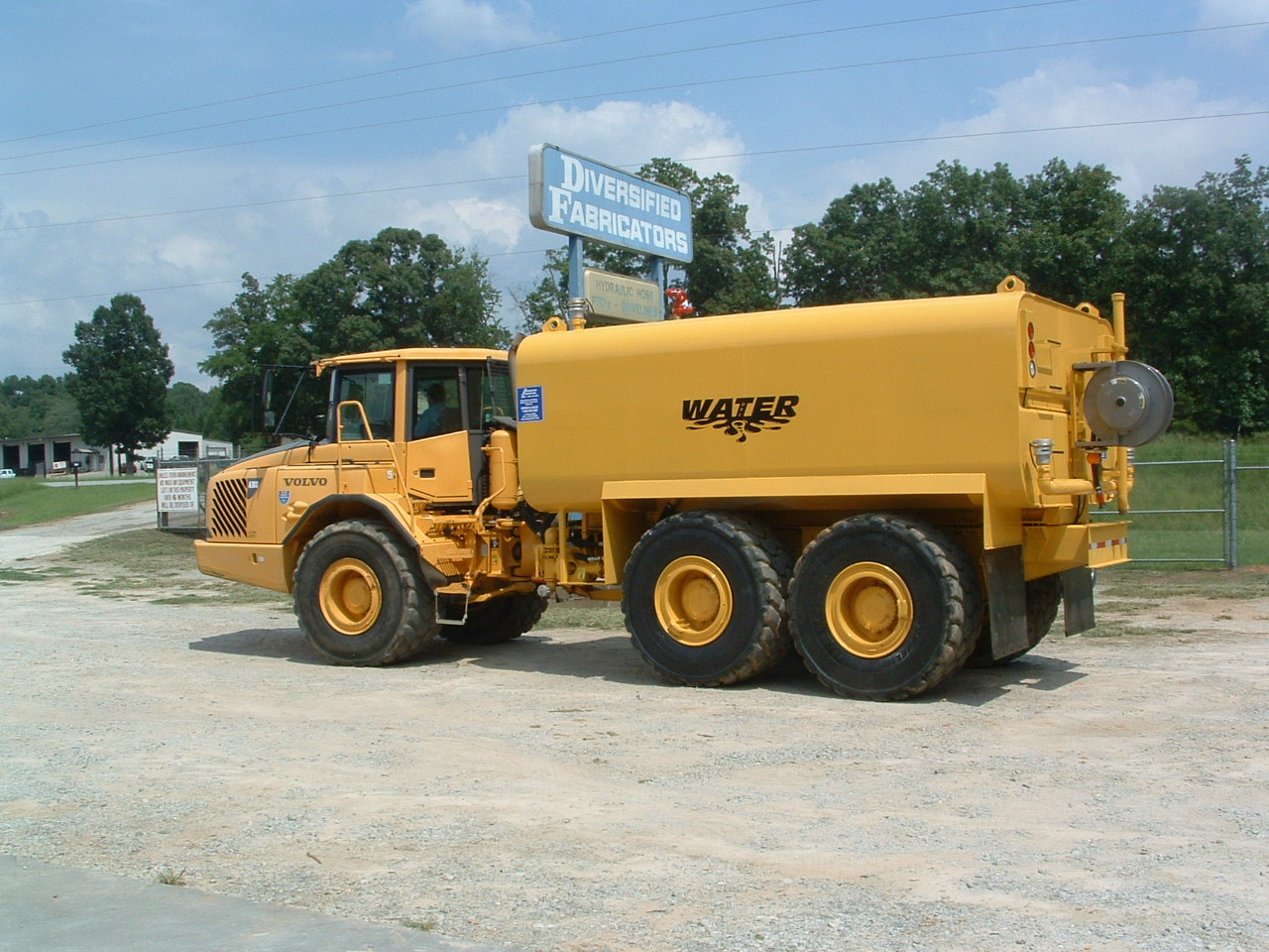 6000 gallon Water Tank on Volvo A30D